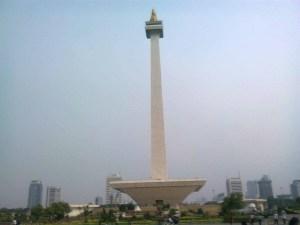 tugu monumen nasional kini