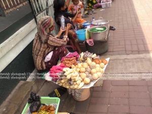 penjual jajanan di sekitar Ampel