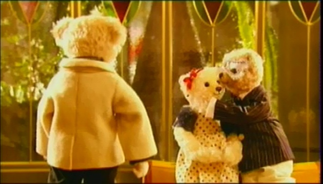 princess hours' teddy bear (episode 18) >> Yul kissed Chae-Kyung in his birthday party