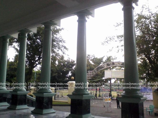 supporting pillars