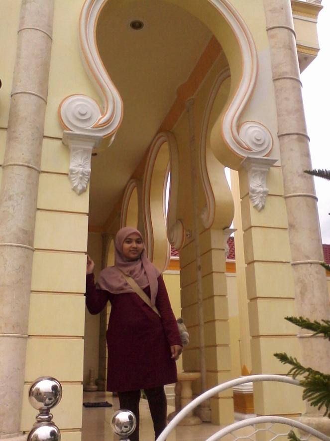 short alley mosque