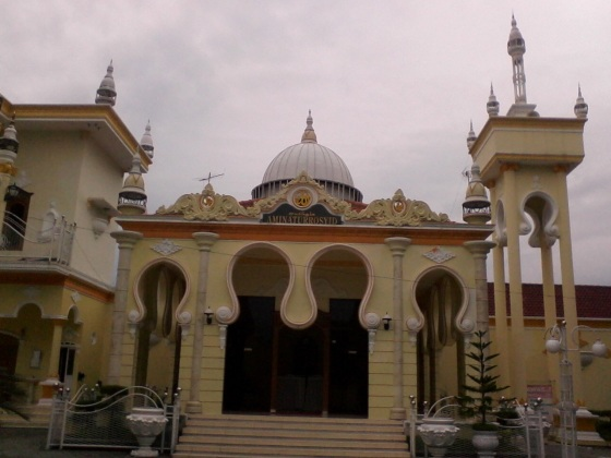 a fairy tale mosque