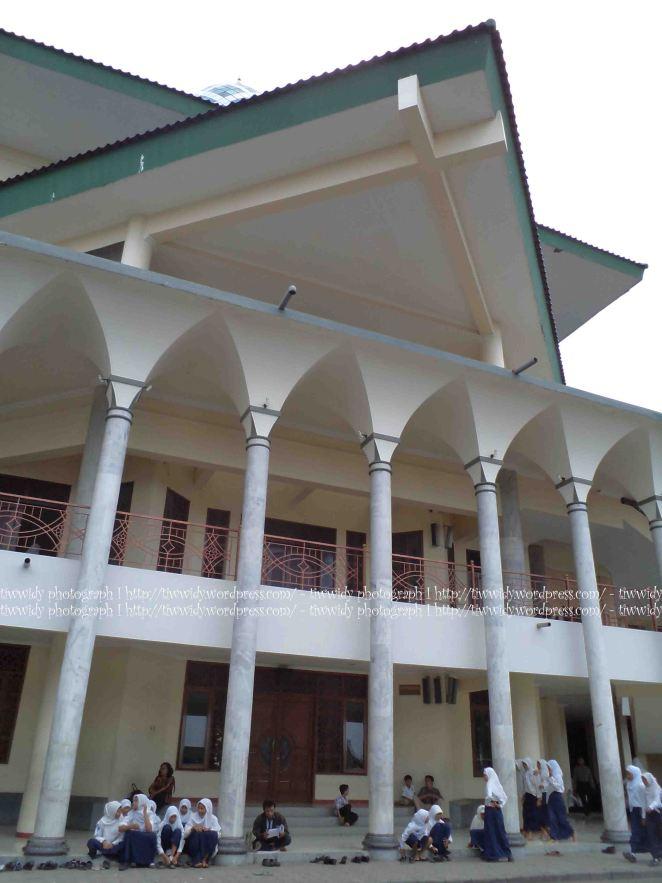 tampak samping kiri Masjid Agung Kediri