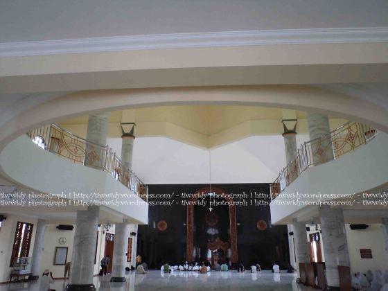 Main Building of Masjid Agung Kediri