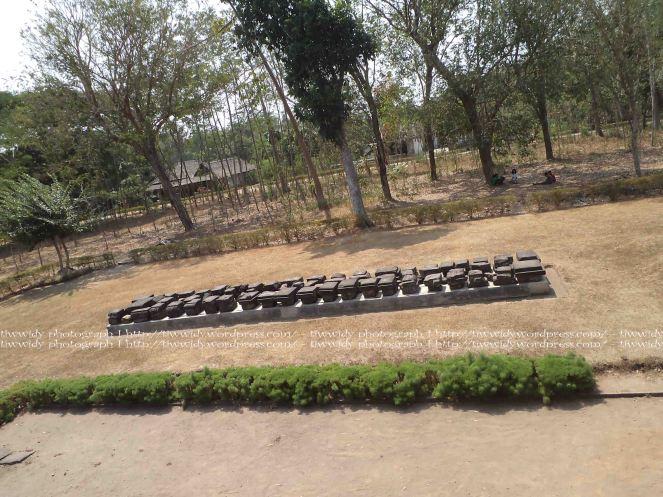 bebatuan Candi Tegowangi yang belum berhasil direkonstruksi
