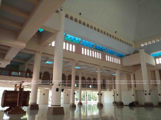 bagian samping Masjid An-Nur Pare