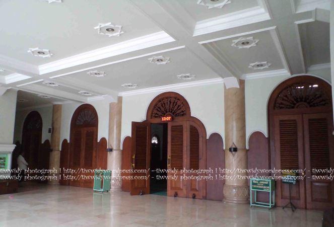 Pintu masuk utama Masjid Jami' Malang