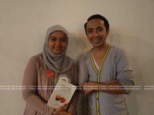 "foto bareng ""9 Summers 10 Autumns"" author.. Iwan Setyawan"