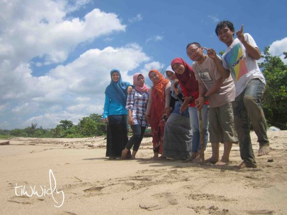 yes, we're there.. at Tambakrejo Beach, Blitar
