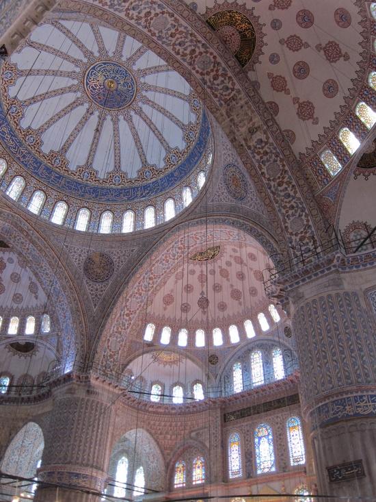 Interior Design of Blue Mosque, Istanbul (Pinterest)