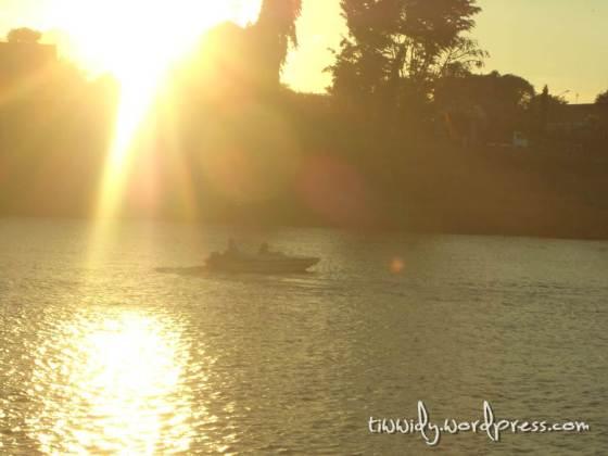 Senja di Sungai Brantas, Kediri