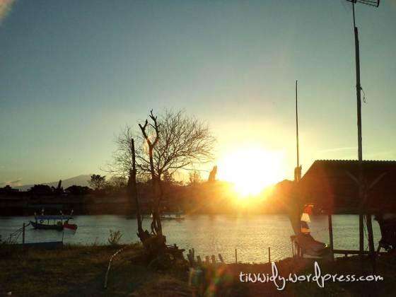Sunset Moment in Brantas River, Kediri