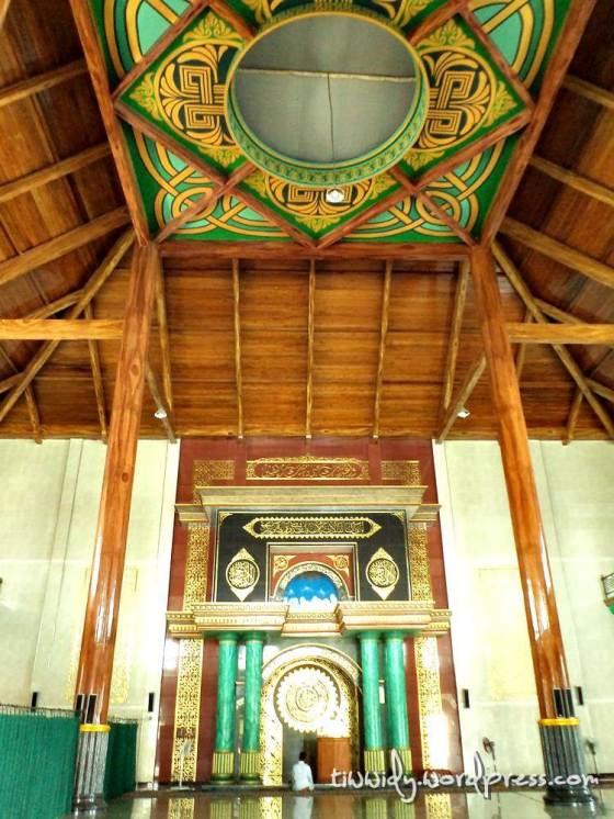 Interior Design dari Masjid Maulana Ishaq