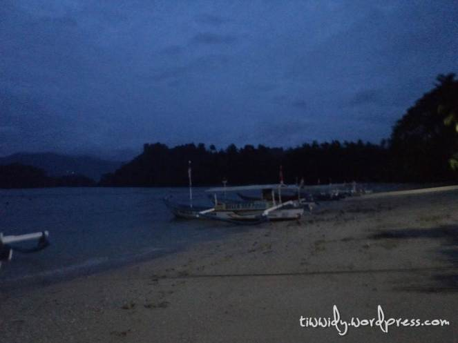 Subuh di Pantai Pasir Putih Trenggalek, Feel the dawn