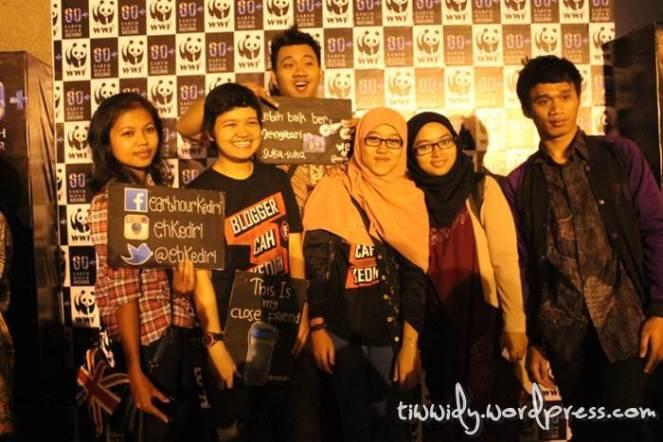 Earth Hour 2014 Kediri - Switch Off Monumen SImpang Lima Gumul