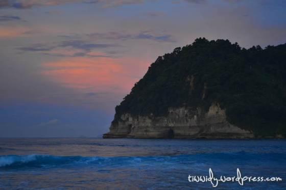 Sunrise di Pantai Ngalur, Tulung Agung